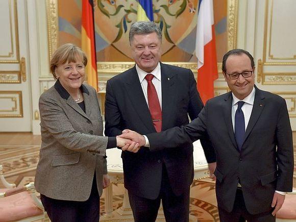 Елисеев: Порошенко, Меркель иОлланд проведут переговоры доконца недели