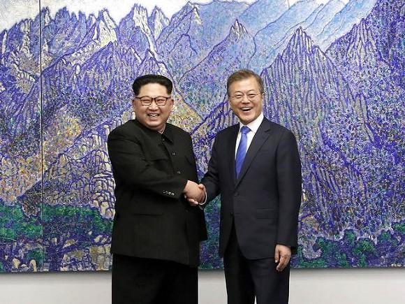 Лидеры КНДР и Южной Кореи заявили о намерении подписать мирный договор