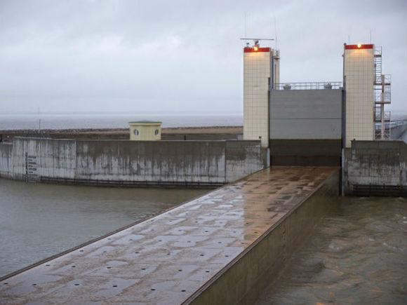 ВГУМЧС поСанкт-Петербургу поведали, когда уровень воды поднимется домаксимума