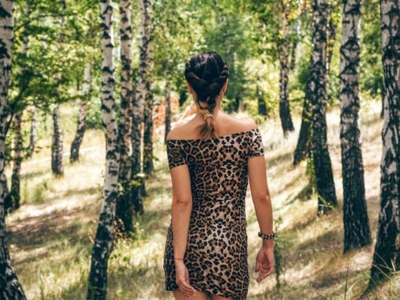 Мужчины считают соблазнительно одетых женщин неменее умными