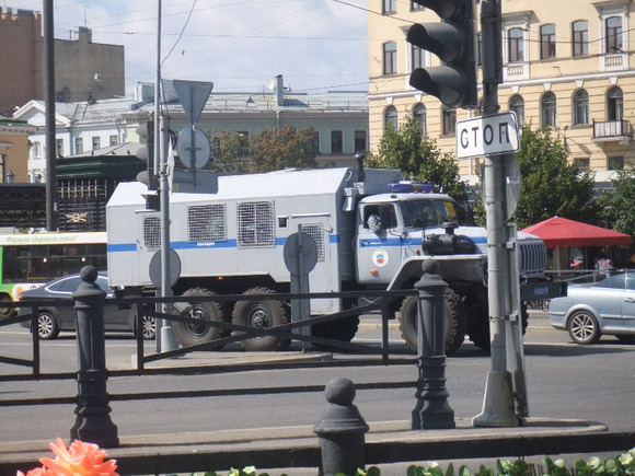 Ввыходные наСенной площади Петербурга снесут все торговые павильоны