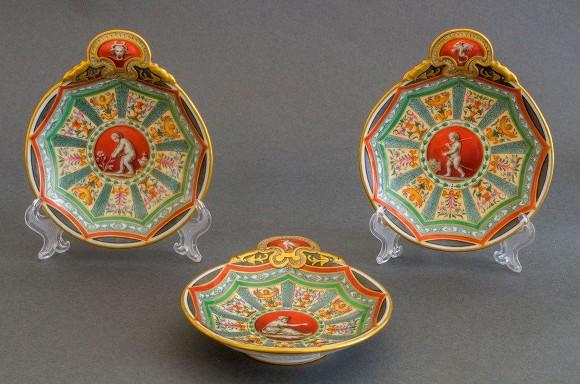 Музей «Царское село» купил три икорницы за1,6 млн руб.