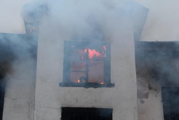 Изгорящего дома наПетроградской стороне спасли 15 человек