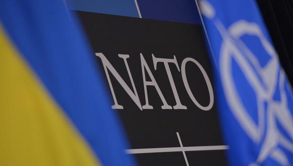Порошенко подписал программу сотрудничества Украины сНАТО