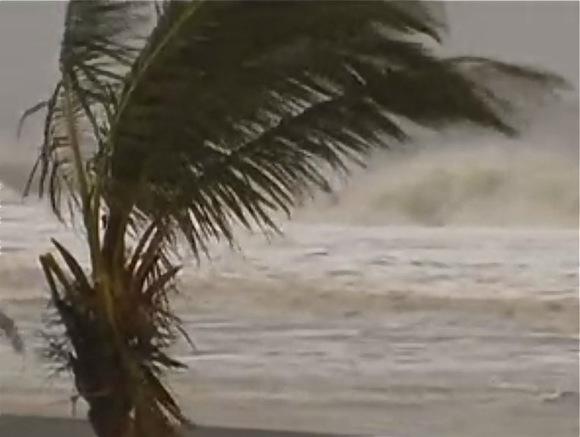 НаВьетнам, где Путин должен увидеться сТрампом, идет новый тайфун