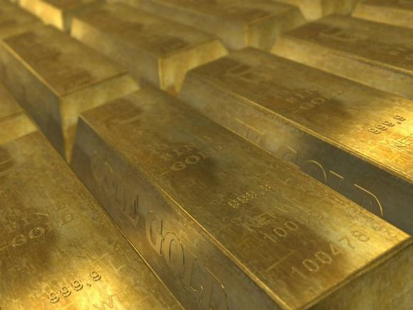 Золото дешевеет на фоне сильного доллара и роста доходности бондов США