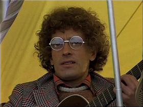 Стоп-кадр из фильма «Мэри Поппинс, до свиданья»