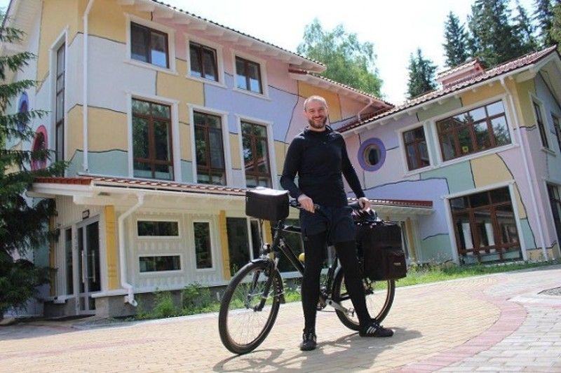 В Петербурге стартовал благотворительный велопробег