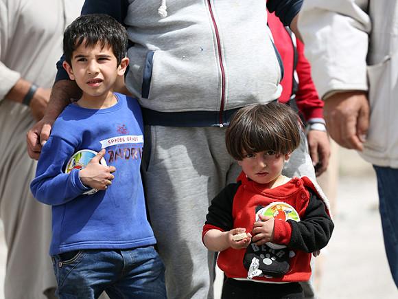 Прожившей два месяца ваэропорту Шереметьево семье курдских беженцев дали временное убежище