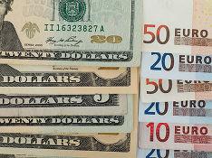 Евро в ходе торгов опустился ниже 73 рублей впервые с 9апреля