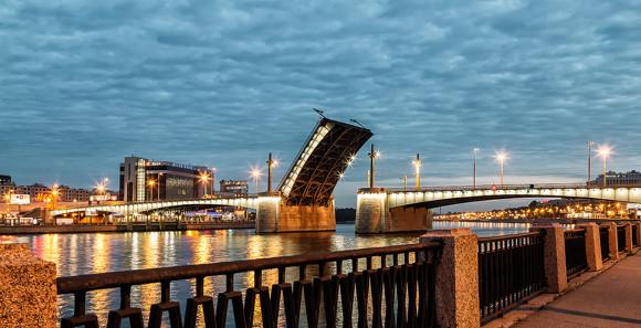 Кантемировский мост разведут три раза  занеделю