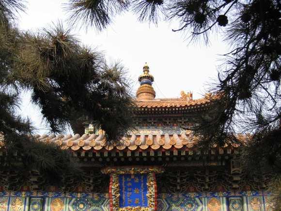 Китайский почтальон разбил древнейшую реликвию династии Чжоу за $1 млн