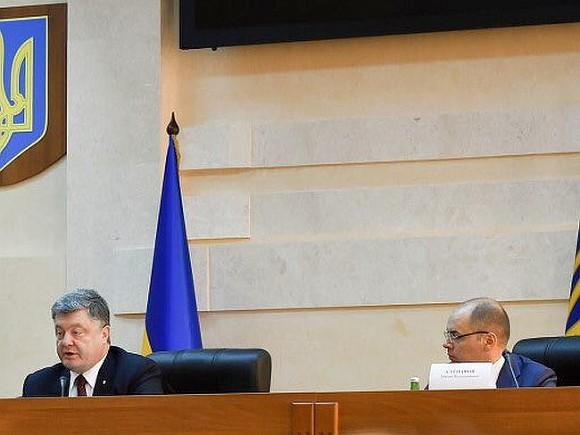 Порошенко строго проехался поСаакашвили: экс-губернатор едко ответил