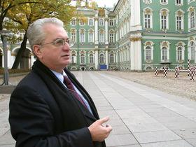 «Русская революция побила не весь императорский фарфор»