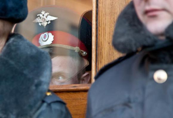 Массовая драка 400 мигрантов накладбище в столице России