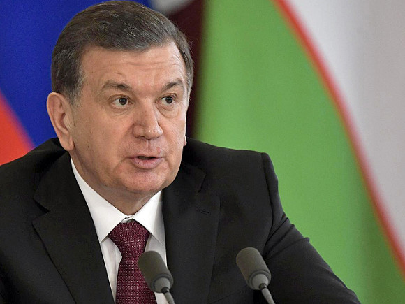 Чиновников вУзбекистане перевели на24-часовой рабочий день