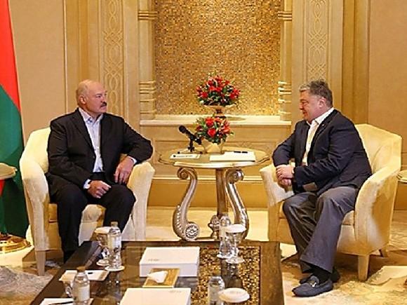 Порошенко провел переговоры сЛукашенко вОАЭ— Разговор без галстуков