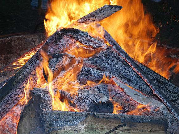 ВЛенобласти погибли впламени две женщины имужчина