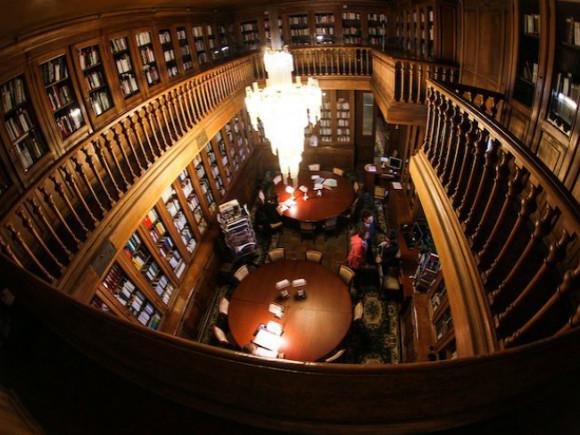 фото пресс-службы библиотеки Маяковского