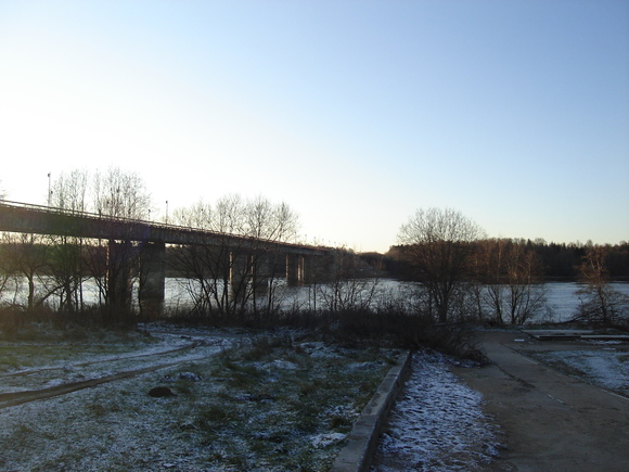 Ладожский мост через Неву разведут днем на45 мин.