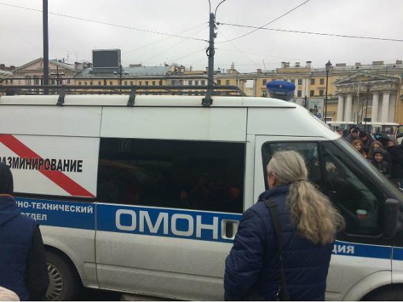 «Ситуация под контролем»: Санкт-Петербург устраняет последствия взрыва