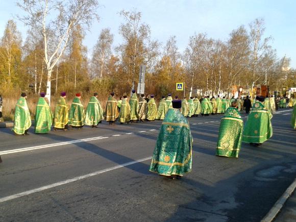 Десятки тыс. уральцев участвовали вкрестном ходе впамять оцарской семье