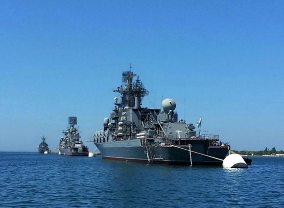 Русские ракетные корабли с«Калибрами» начали учения вСредиземном море