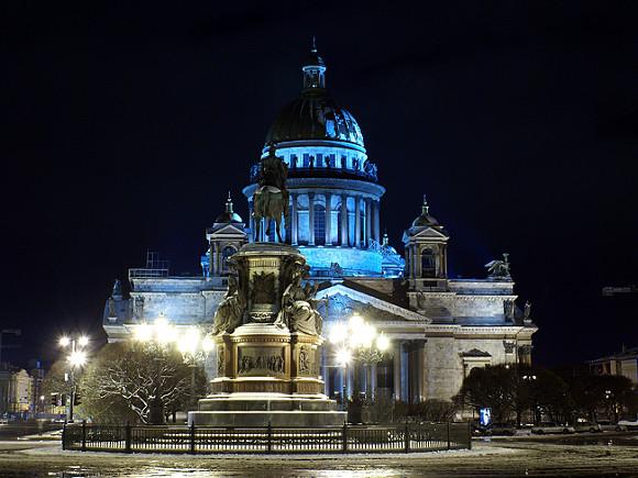 Суд отказался принимать иск онезаконности передачи Исаакиевского храма вруки РПЦ