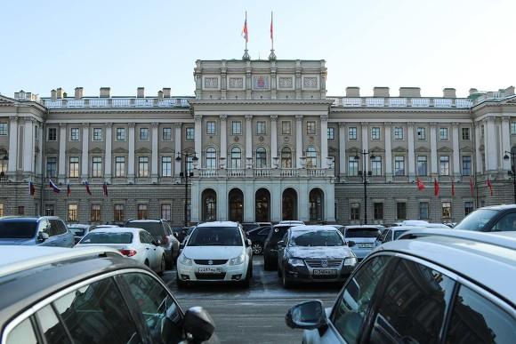 Депутаты отказались выбирать новых почетных граждан Петербурга