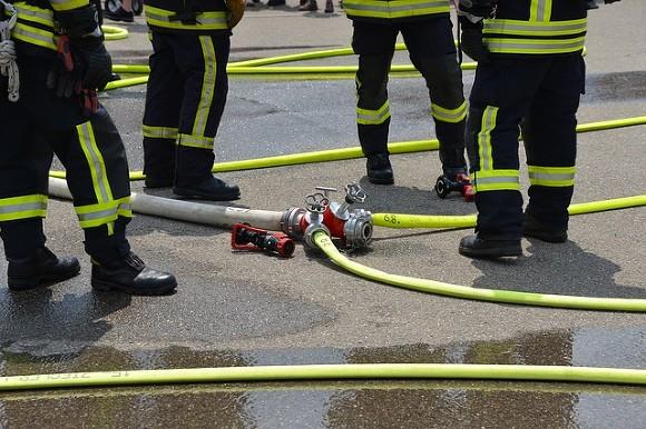 Из горящего ночного клуба в Томске вывели 100 человек