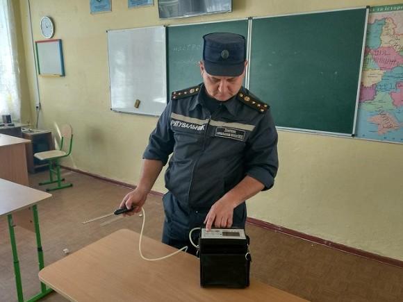 ВНиколаеве эвакуировали 400 школьников из-за распыления неизвестного газа