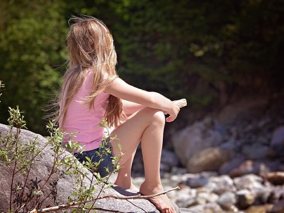 11-летнюю дочь буфетчицы изнасиловали водворе наЛанском шоссе