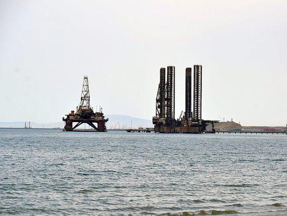 Нефть марки Brent падает вцене