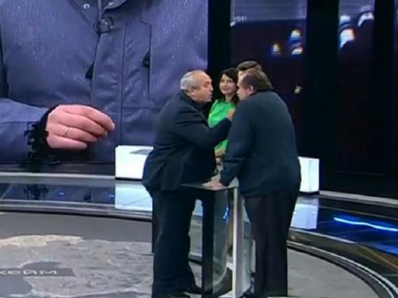 Клинцевич впрямом эфире вцепился забороду украинского профессионала