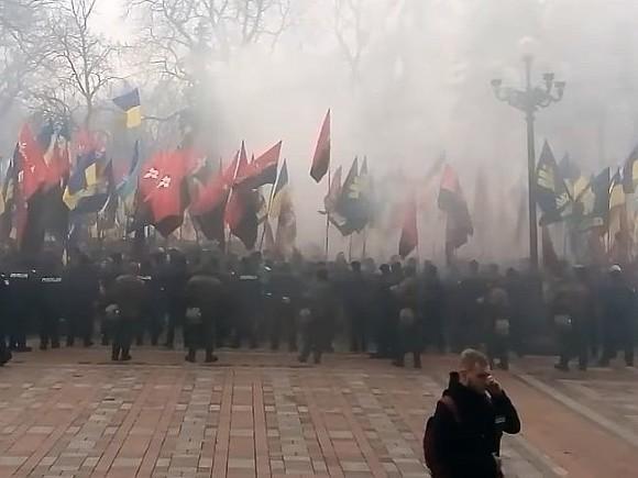 Националисты вгодовщину «Евромайдана» требуют от украинской столицы закончить «социальный геноцид»