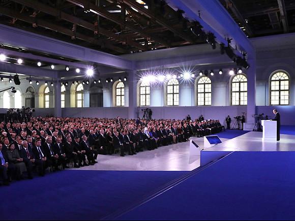 Владимир Путин поблагодарил аграриев зарекордный урожай ипообещал имподдержку