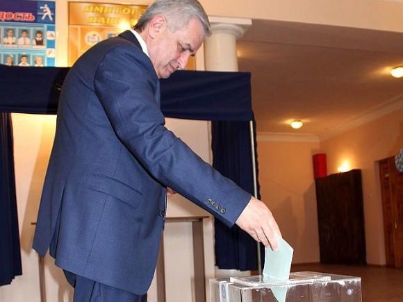 Грузия сочла «незаконными» парламентские выборы вАбхазии