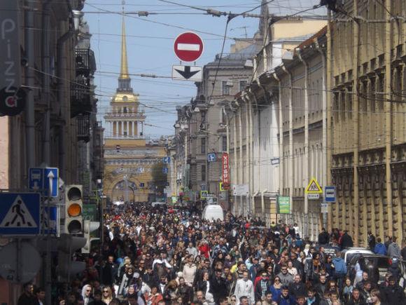 Триколор внебе и«Прощание славянки»: закончилась генрепетиция Парада Победы