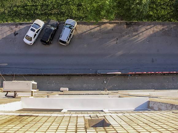 Двухлетняя девочка выпала изокна напятом этаже вЧелябинске
