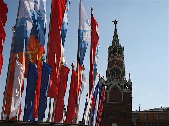 Ко Дню Государственного флага на билбордах и афишных стендах в Москве появятся 500 плакатов