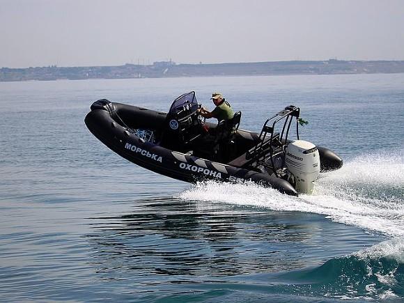Киев желает попросить НАТО конвоировать украинские суда вАзовском море