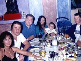 Лео Френсис Морган (третий слева)