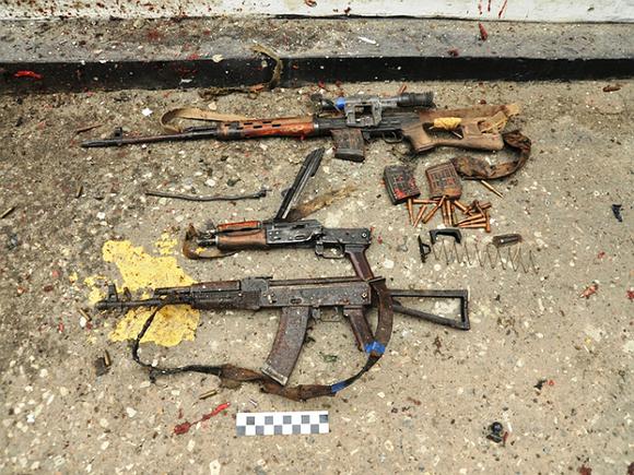 ВПетербурге милиция выехала наскандал, а отыскала оружейный арсенал