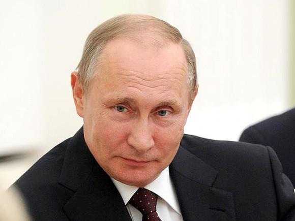 Головы летят: Президент Владимир Путин сократил восемь генералов силовых структур