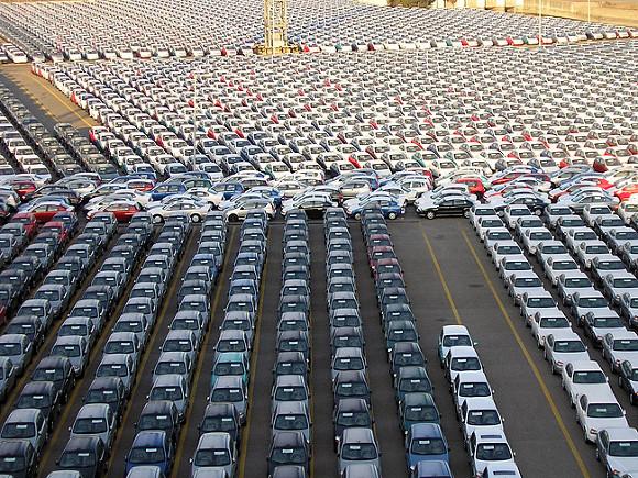 Выпуск легковых автомобилей в РФ увеличился в январе-октябре на 15%
