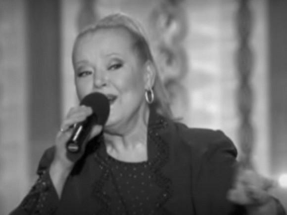Людмила Сенчина выступала на заключительном концерте через сильную боль— Эмма Лавринович
