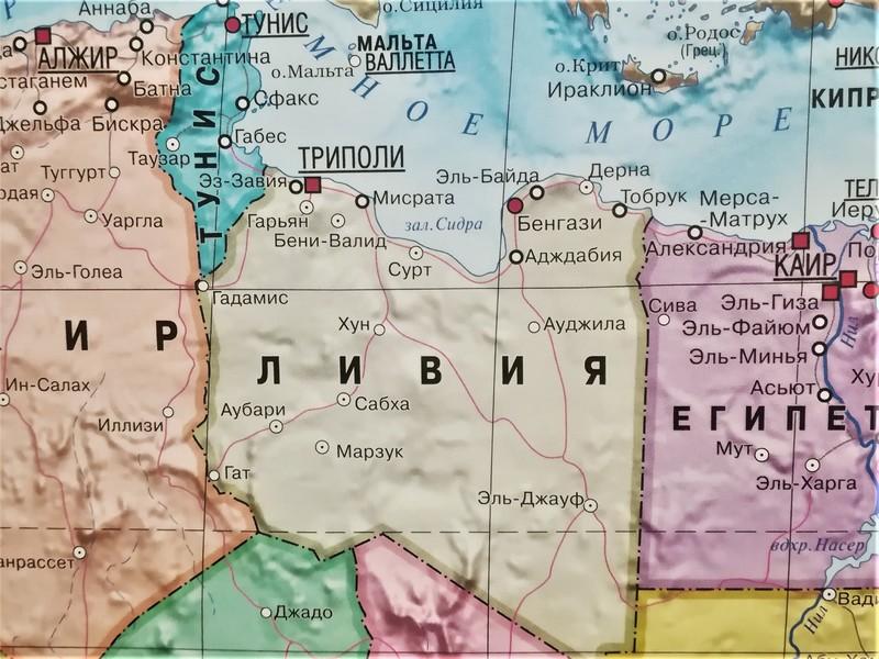 Хафтар и Саррадж заявили о готовности решить нефтяную проблему в Ливии