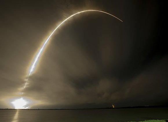 Друг путина ЫН продолжает дразнить три американских авианосца: Ракета, запущенная из КНДР, упала в экономической зоне Японии