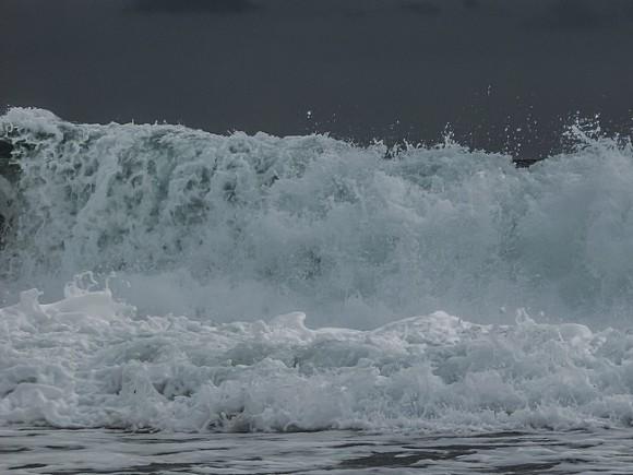 Спасательную операцию наместе крушения судна вЧерном море приостановят наночь
