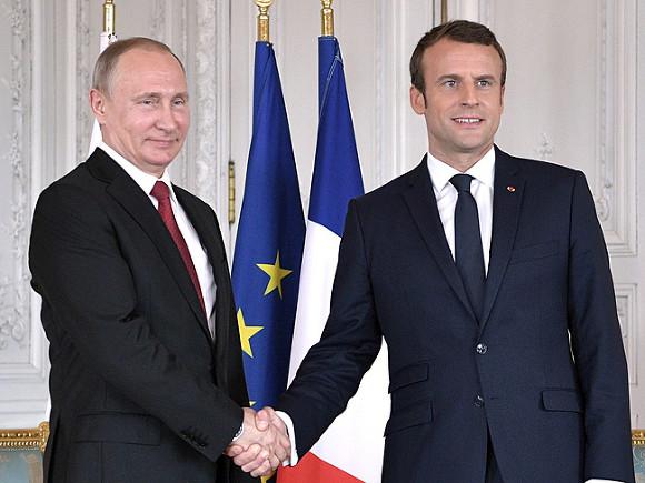 Визит Макрона в РФ готовится, однако дата неведома — Посол Франции